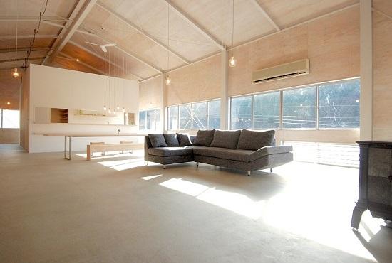 鳥取の建築家 PLUS CASA/HOME 倉庫リノベーション BASE