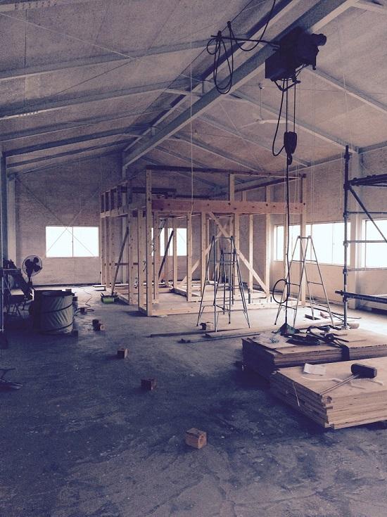 鳥取の建築家 PLUS CASA/HOME BASE 倉庫リノベーション-セルフビルド